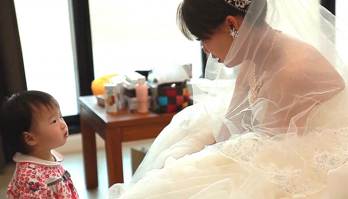 《台南婚錄》沐浴幸福中的婚禮 / 東東宴會式場