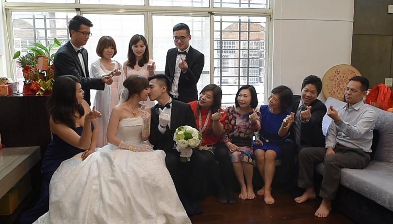 《高雄婚錄》婚禮中的點滴甜蜜 / 晶綺盛宴
