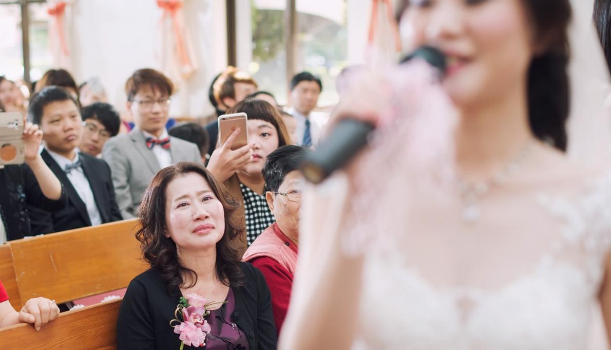 婚攝紀錄了單親家庭的榮耀;母親