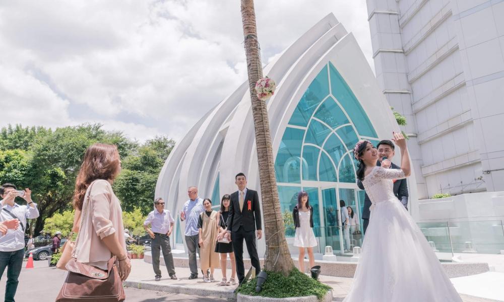 《台北婚攝》 飄逸空中的幸福 / 星靚點花園飯店