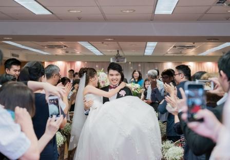《台中婚攝》 嬌羞中對幸福的企盼 / 永豐棧酒店