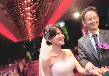 《台北婚攝》 甜蜜的交手 / 公館水源會館