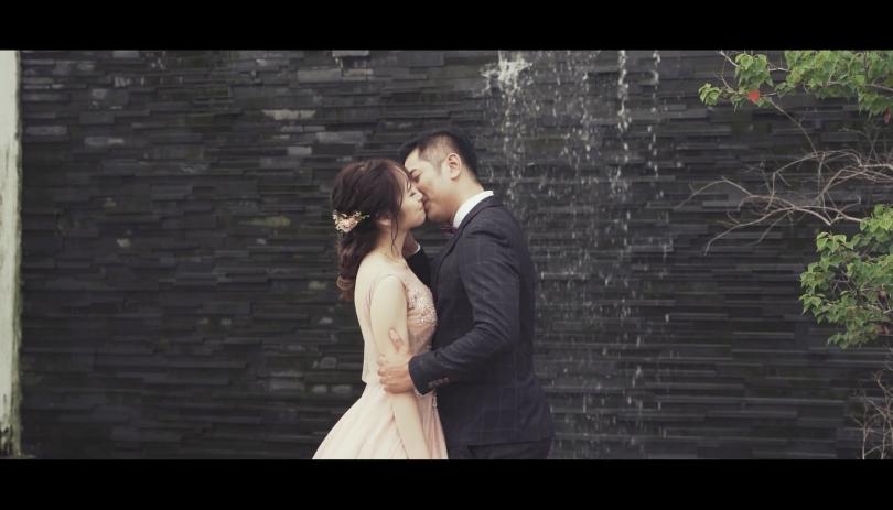 《桃園婚錄》以吻訴說滿溢的愛 / 青青風車莊園