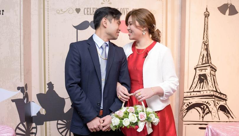 《高雄婚攝》鼻子碰鼻子,今生共相隨 / 海寶國際大飯店