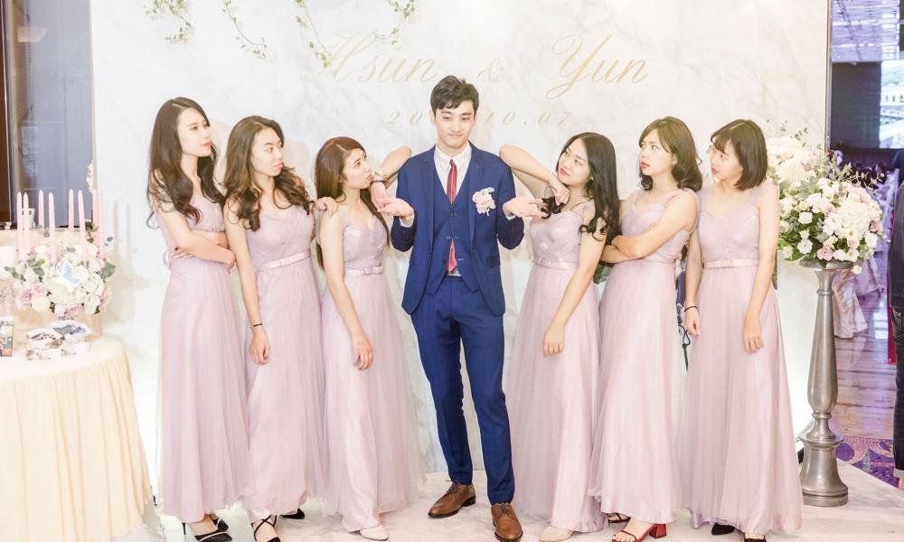 《台中婚攝》絕不敢虧待新娘的新郎 / 林皇宮花園