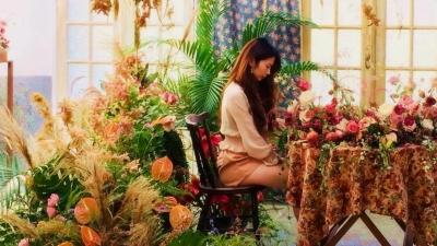 《花藝設計師霈婕》婚禮現場低調華麗的幸福精靈 / 花藝佈置師專訪